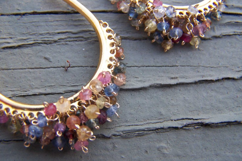 Spinel_gold_hoops1